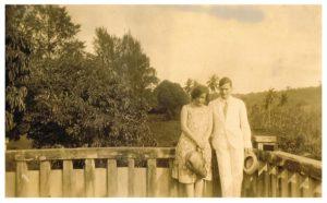Wim en Hetty Wertheim op hun eerste standplaats op Zuid Sumatra, 1931